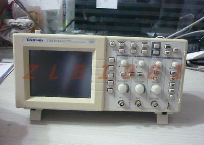 One New- For Tektronix Tds1012 Tds1002 Oscilloscope Screen Lcd Panel Modul