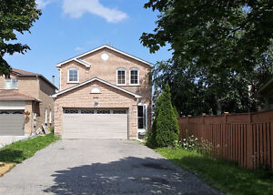 *** GORGEOUS, NEWLY RENOVATED *** PICKERING 4 BR, 3 Bath Home