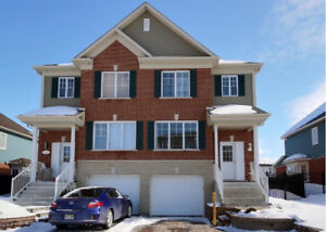 Sunny semi-detached house for rent in Brossard Sector C