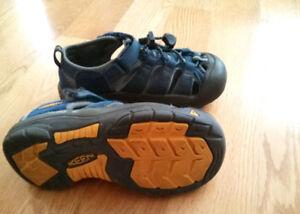 Sandale Keen, gr 13 US ou 31 EU, waterproof