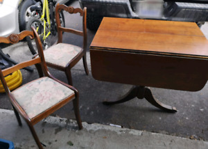 Duncan Phyfe Table and 4 chairs