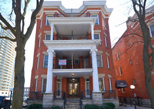 MUCH SOUGHT AFTER WELLINGTON COURT IN DOWNTOWN LONDON