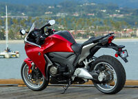Honda 1200 VFR / LIKE NEW