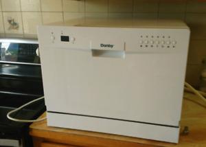 Lave-vaisselle de comptoir Danby Presque NEUF