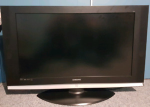 "40"" Samsung Tv Model LN- S404"