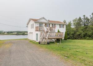 Amazing Waterfront Property: 66 Linda st in St-Joseph de Kent