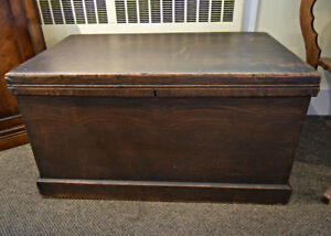 BEAUTIFUL ENGLISH ANTIQUE TRUNK AT CHARMAINE'S