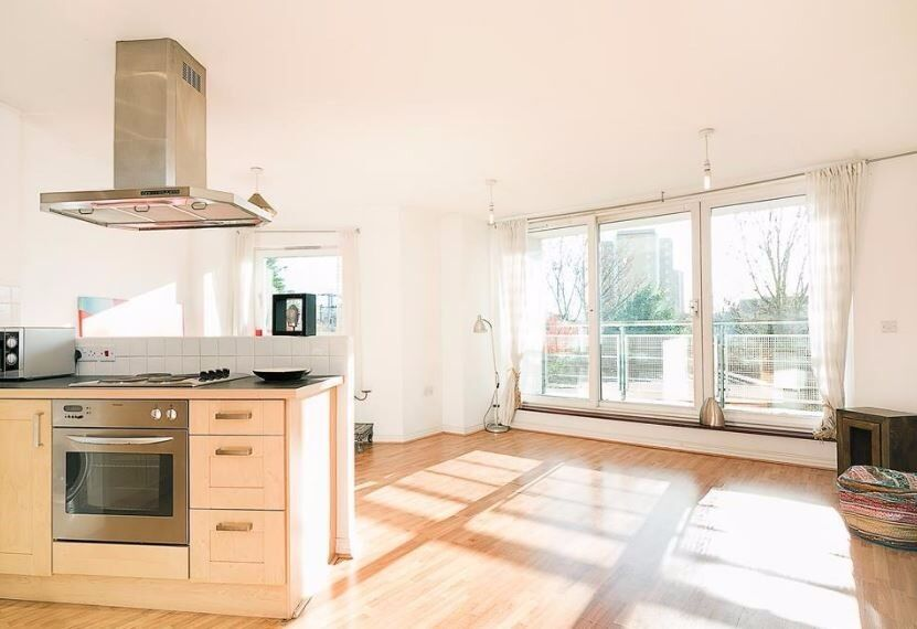GORGEOUS, BRIGHT AND AIRY 1 BED MODERN BUILD APARTMENT MINUTES AWAY FROM HACKNEY CENTRAL!