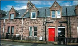 Well-kept unfurnished 2-bedroom Victorian Terraced House w small garden in Inverness city centre