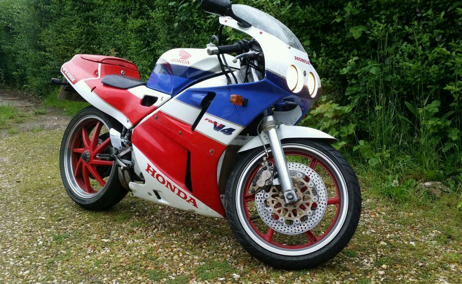 honda vfr 400 rc30 in grimsby lincolnshire gumtree. Black Bedroom Furniture Sets. Home Design Ideas