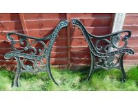 (#721) vintage pair of garden cast iron bench ends (Pick up only, Dy4 area)