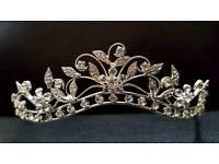 Linzi jay tiara