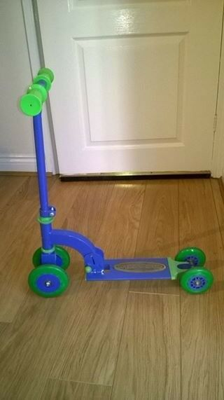 KIDS FIRST SCOOTER