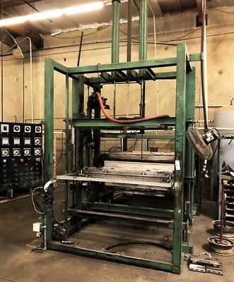 Thermoformer Vacuum Former 46x52 Forming Area. Dual Platen Calrod Heat