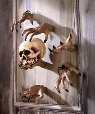 SCARY SPOOKY CREEPY HAND WALL HANGER  INDOOR OUTDOOR DECOR. GET - Halloween Outdoor Wall Decorations