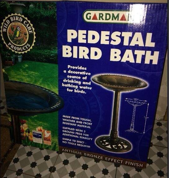GARDMAN PEDESTAL BIRD BATH NEW IN UNOPENED BOX