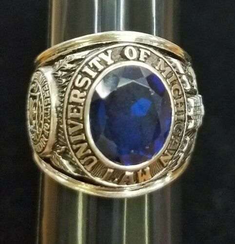 UNIVERSITY OF MICHIGAN LAW 10K Size 9.5 Gold Class Ring w/ Blue Stone  20 Grams