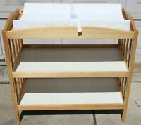 Beautiful Changing Table $40.00 Excellent condition