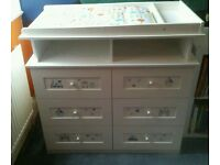 Baby change unit/chest of drawers