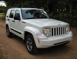 2008 Jeep Liberty North Edition 4x4 White 137000kms London Ontario image 1