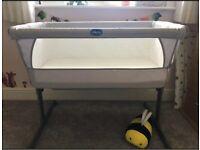 Chicco Next2Me Crib co sleeper cot grey