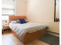 *NO DEPOSIT* Ensuite Room INCHES from Train Station