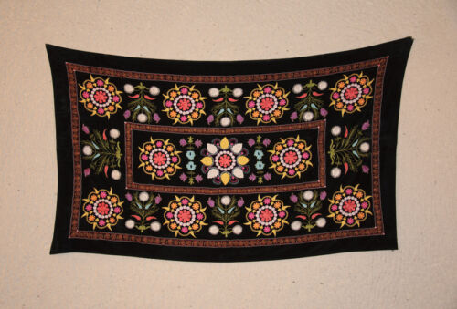 How to Decorate Your Sitting Room with a Traditional Rug