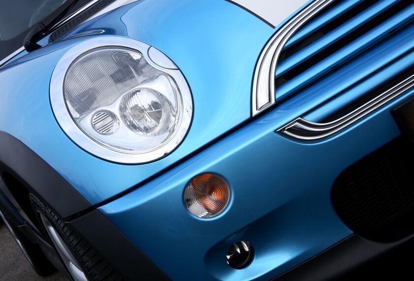 How to Change a Mini Cooper Headlight
