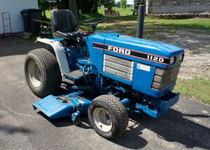 Tracteur Ford 1120