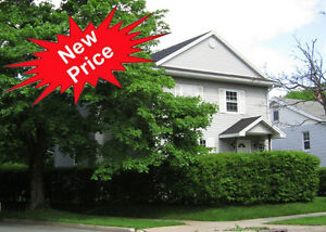 NEW PRICE!! $354900 Walk to Hfx Shopping Ctr & Base /Fenced Yard