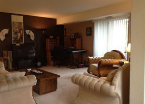 Three Bedroom Condo for Sale - in Forest Grove
