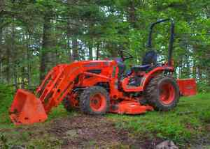 Kubota B2320 w/ Loader, Mower, Snow Blower, Chipper, Balast Box