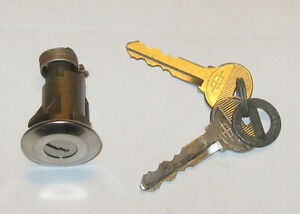 NOS Lincoln Continental trunk lock with logo keys 60's 70's Edmonton Edmonton Area image 2