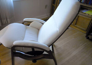 Therapeutic Reclining Zero Gravity Back Saver  Treatment Chair