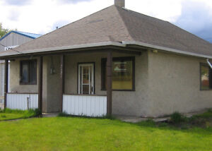 3 BDRM HOUSE FOR RENT IN CROWSNEST PASS,AB