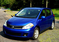 2010 Nissan Versa SL Hatchback 6 vitesses impeccable ! 87 000 km