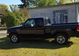 2000 4x4 Ford Ranger Pickup Truck