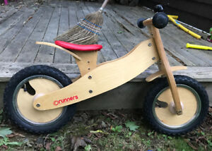 Runners wooden balance bike