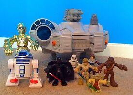 Star Wars Millennium Falcon (Darth Vader, Luke Skywalker, C3-PO, R2-D2, etc)