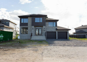Large beautiful home for rent in Vaudreuil *New