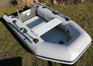 8 1/2 foot inflatable dingy with extras