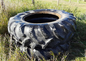 Tractor tire 16.9-30