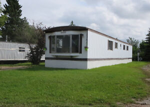 Unity, SK recently renovated mobile home for rent