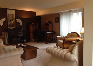 Three Bedroom Condo for Rent - in Forest Grove