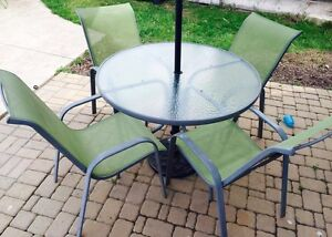 5 piece patio Set (Table and Chairs)