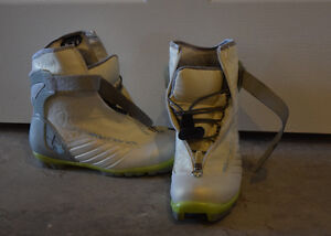 Rossignol Size 36 Ladies/Kids Cross-Country Ski Boots