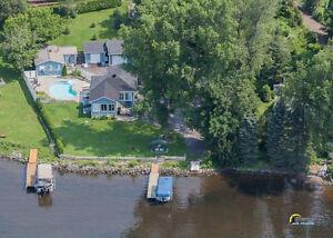 Superbe maison au bord rivière Outaouais à louer - WOW !!!