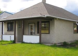 3 BEDROOM HOUSE FOR RENT IN CROWSNEST PASS, AB