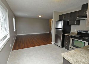 House - 2BR Executive Suite in Shakespeare-SEE OPEN HOUSE HOURS Stratford Kitchener Area image 3