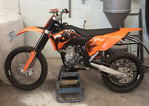 2007 KTM 450 SX-F Dirt Bike.